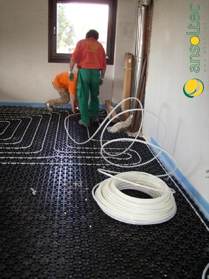 Instalando circuitos de suelo radiante