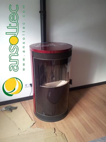 Estufa de pellet ecoforest par s 10kw en piso en piedras for Estufa de pellets en un piso